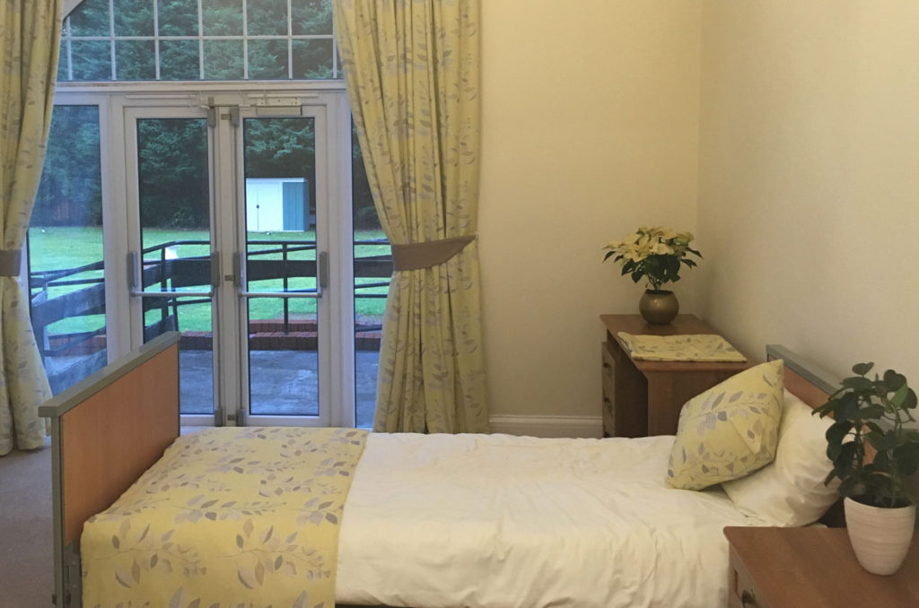 bedroom-at-parkhouse-manor-care-home